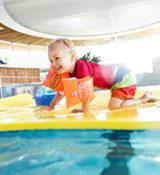 Piscine Aqua°bulles - Bébé nageur @Simon Bourcier