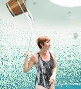 Piscine Aqua°Bulles - Douches hydromassantes @Simon_Bourcier